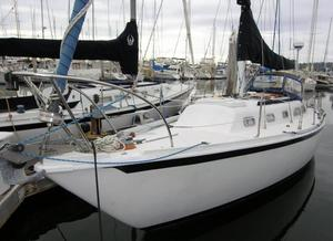 Used Ericson 32 2 Racer and Cruiser Sailboat For Sale