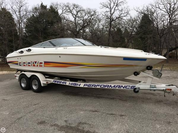 Used Arriva 2252 Ski and Wakeboard Boat For Sale