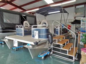 New Qwest Edge 818 Sport Pontoon Boat For Sale