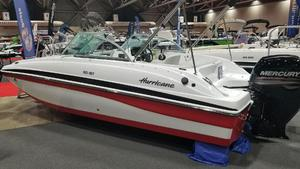 New Hurricane SunDeck 187 OBSunDeck 187 OB Deck Boat For Sale