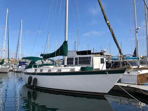 Used Endeavour 37 Cruiser Sailboat For Sale