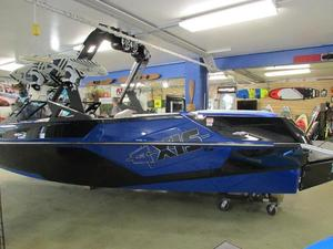New Axis Core Series T22Core Series T22 Ski and Wakeboard Boat For Sale