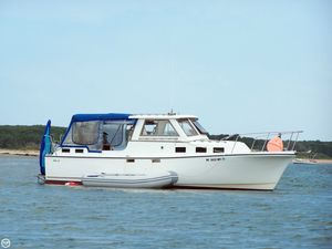 Used Albin Yachts 27 Express Cruiser Boat For Sale