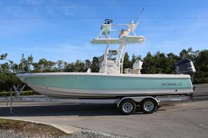 New Robalo R246SD Center Console Fishing Boat For Sale