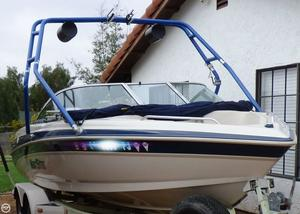 Used Mastercraft Maristar 2100 Ski and Wakeboard Boat For Sale