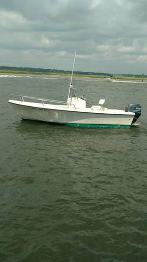 Used Parker 1801 Center Console Saltwater Fishing Boat For Sale
