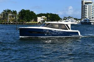 Used Greenline 39 Cruiser Boat For Sale