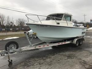Used Parker 2120 SC Freshwater Fishing Boat For Sale