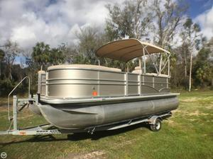 Used Sylvan 8520 Mirage Pontoon Boat For Sale