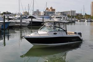 Used Robalo R265 Walkaround Center Console Fishing Boat For Sale