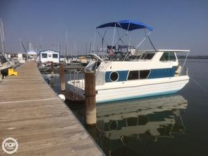 Used Steury T523HB House Boat For Sale