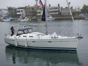 Used Beneteau America 393 Cruiser Sailboat For Sale
