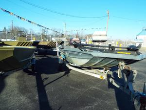 Used Grumman Outlaw 17SX Bass Boat For Sale