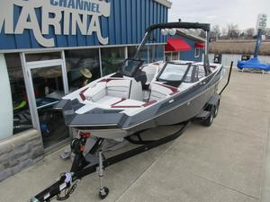 New Axis Wake Research A24A24 Ski and Wakeboard Boat For Sale