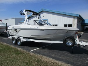 New Axis Wake Research T22T22 Ski and Wakeboard Boat For Sale