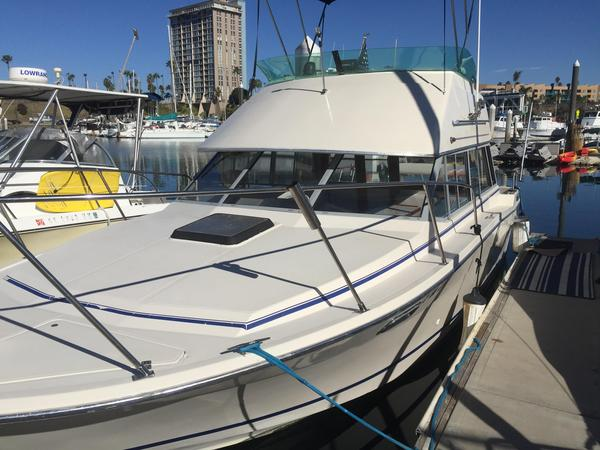 Used Bayliner Contessa Express Cruiser Boat For Sale