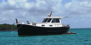 Used Menorquin MY 110 Express Cruiser Boat For Sale