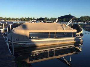 Used Crest 250/slc Pontoon Boat For Sale