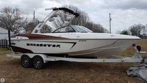 Used Malibu Wakesetter 23LSV Ski and Wakeboard Boat For Sale