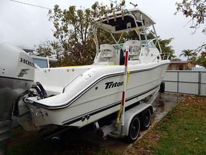 Used Triton 2690 WA Center Console Fishing Boat For Sale