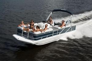 New Hurricane FunDeck 226 OB Deck Boat For Sale