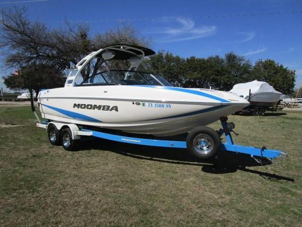 Used Moomba Mojo Ski and Wakeboard Boat For Sale