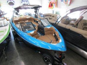 New Malibu Wakesetter 22 VLXWakesetter 22 VLX Ski and Wakeboard Boat For Sale