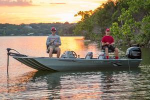 New Lowe Stryker 17 Aluminum Fishing Boat For Sale