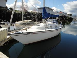 Used Pearson Masthead Sloop Racer and Cruiser Sailboat For Sale
