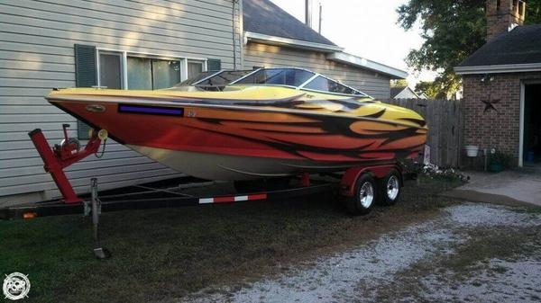 Used Larson 226 LXi Bowrider Boat For Sale