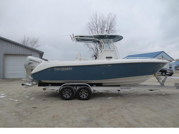 Used Everglades 25 C/C Center Console Fishing Boat For Sale