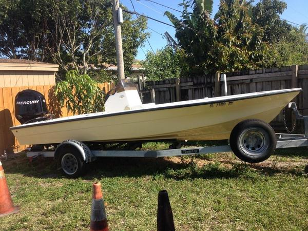 Used Custom 18 Flats Freshwater Fishing Boat For Sale