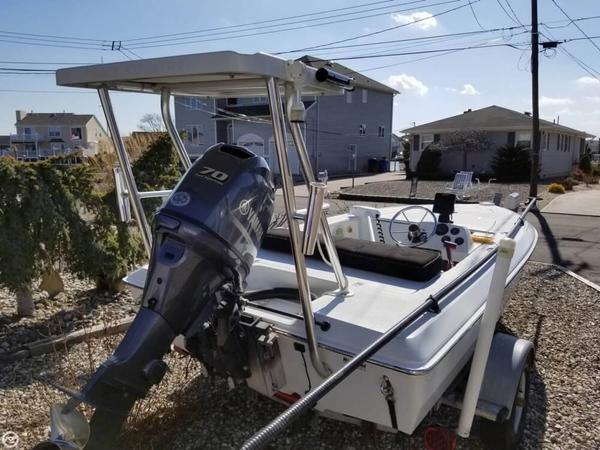 Used Back Country 151 Pro Guide Flats Fishing Boat For Sale