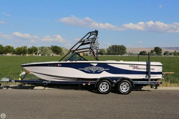 Used Correct Craft 21 Pro Air Nautique Ski and Wakeboard Boat For Sale