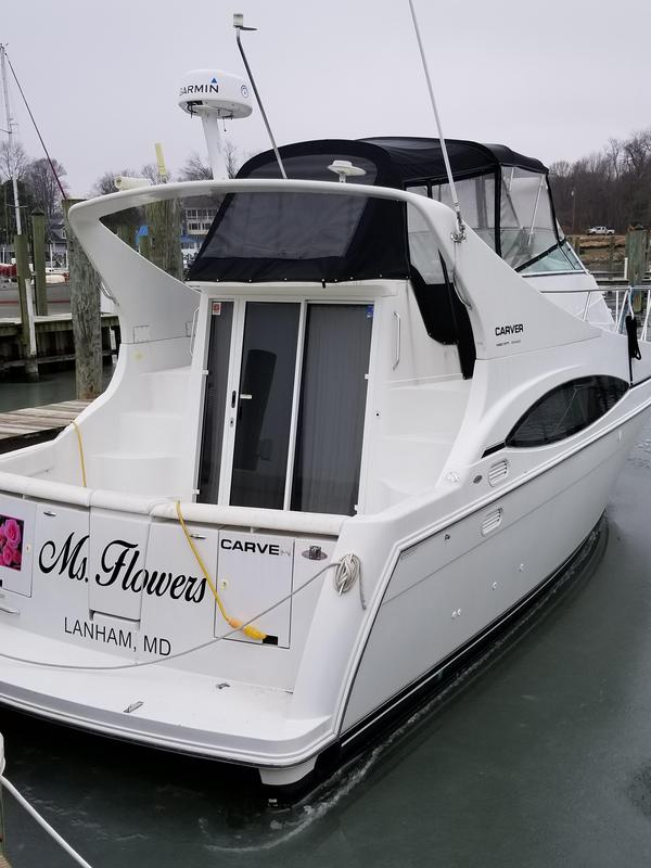 Used Carver Mariner Flybridge Boat For Sale