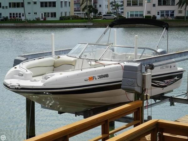 Used Vectra S-221 Deck Boat For Sale
