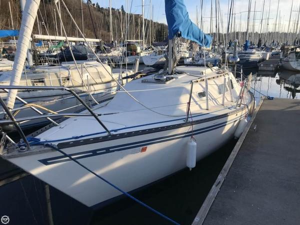 Used Glastron 28 Racer and Cruiser Sailboat For Sale