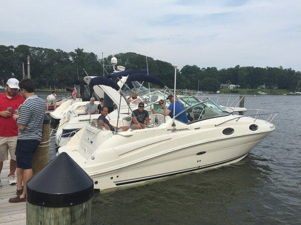 New Sea Ray 240 Sundancer Cruiser Boat For Sale