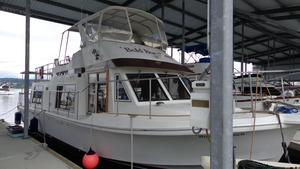 Used Uniflite Yachthome Cruiser Boat For Sale