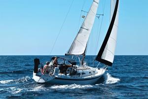 Used Ericson 32 Daysailer Sailboat For Sale