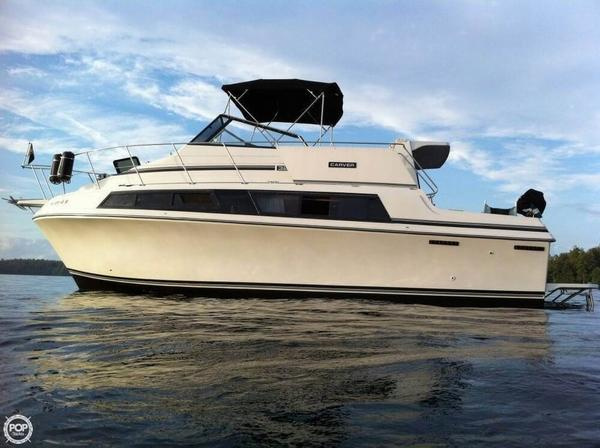 Used Carver 3297 Mariner Cruiser Boat For Sale
