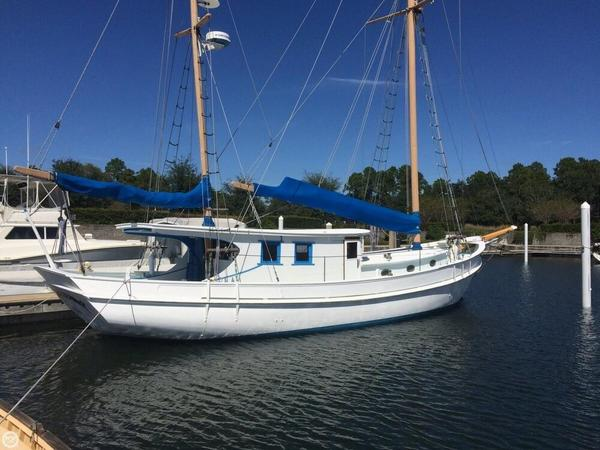 Used Corsair Custom 48 BREEZE Motorsailer Sailboat For Sale