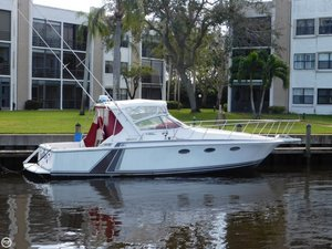 Used Trojan 10M Sport Express Cruiser Boat For Sale