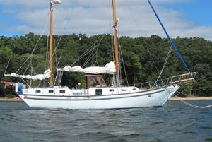 Used Bruce Roberts Spray Fiberglass Ketch Sailboat For Sale