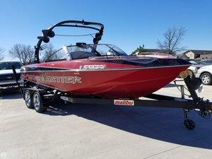 Used Malibu 23 XTI Ski and Wakeboard Boat For Sale