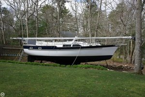 Used Irwin Yachts 38 MK II Racer and Cruiser Sailboat For Sale