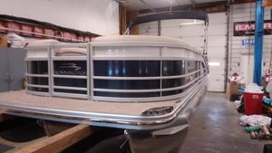 New Bennington 23RCW23RCW Pontoon Boat For Sale