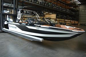 New Supreme S202S202 Ski and Wakeboard Boat For Sale