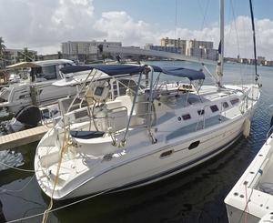 Used Hunter 466 LE Sloop Sailboat For Sale
