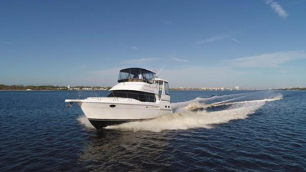 Used Carver 356 Motor Yacht Cruiser Boat For Sale